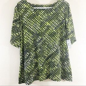East 5th short sleeve green Wavy neckline size M